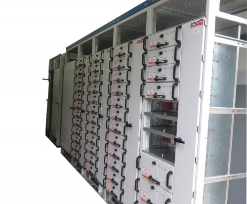 Montagem de Cubículo de Média Tensão NBR IEC 62271-200
